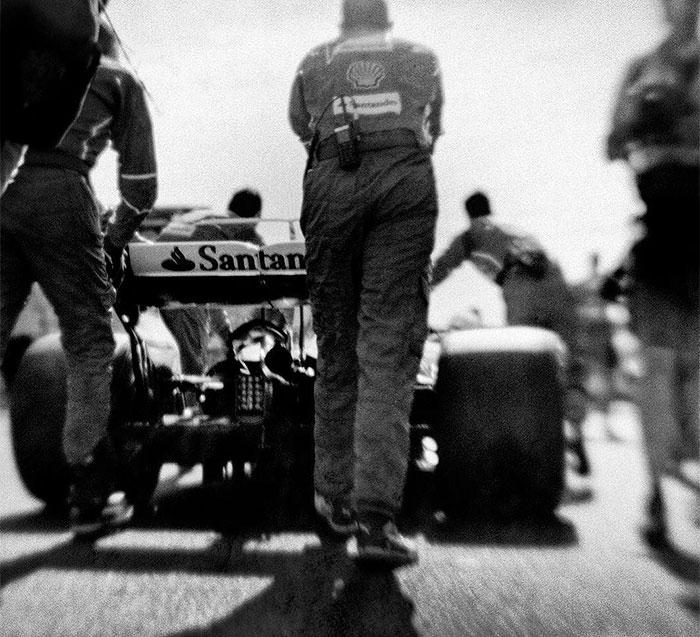 Nhiếp ảnh gia chớp khoảnh khắc của những chiếc xe đua Công thức 1 với chiếc máy ảnh 104 tuổi, và đây là kết quả - Ảnh 6.