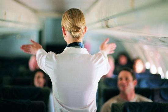 Mặt trái của nghề tiếp viên hàng không: Những cuộc phiêu lưu tình ái vụng trộm với cả khách VIP và phi công - Ảnh 4.