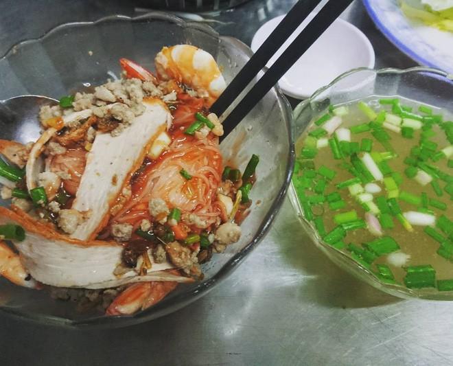 4 quán ăn bình dân vừa ngon, vừa dễ đụng người nổi tiếng ở Sài Gòn - Ảnh 4.