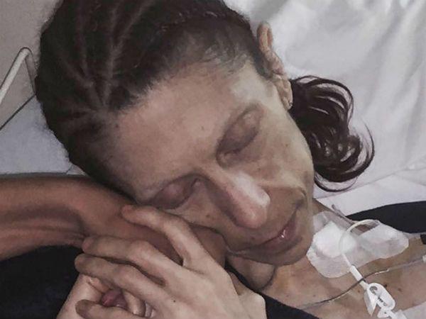 Cô đã phải nhập viện để điều trị tình trạng.