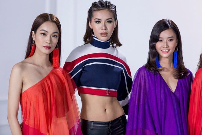 The Look 2017: Minh Tú chém đẹp Phạm Hương và Kỳ Duyên với quần da dây dợ chằng chịt - Ảnh 4.