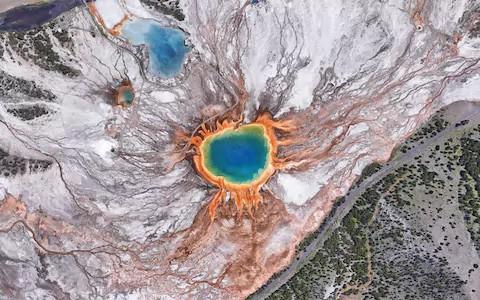 Xem 10 bức ảnh vệ tinh này mới thấy Trái Đất vừa đẹp mà cũng kỳ dị đến nhường nào - Ảnh 4.