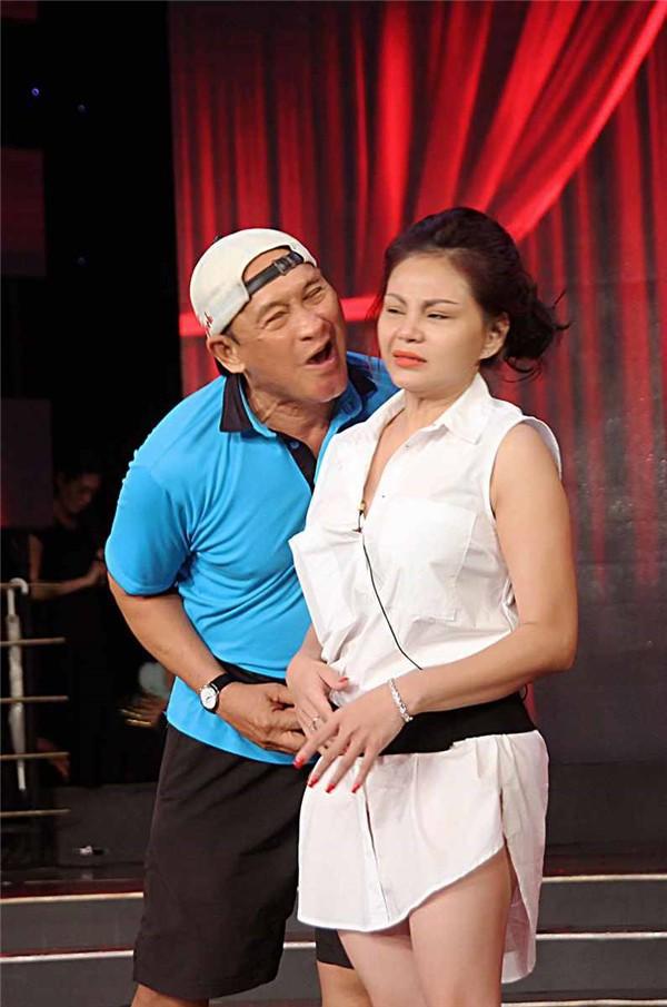 Chân dung người vợ cả của Duy Phương: Chấp nhận kiếp chồng chung với Lê Giang vì không sinh được con - Ảnh 1.