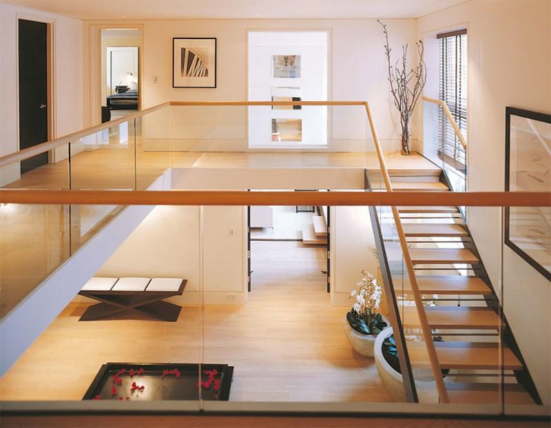 17 thiết kế cầu thang đẹp mắt được kết hợp từ gỗ và kính - Ảnh 7.
