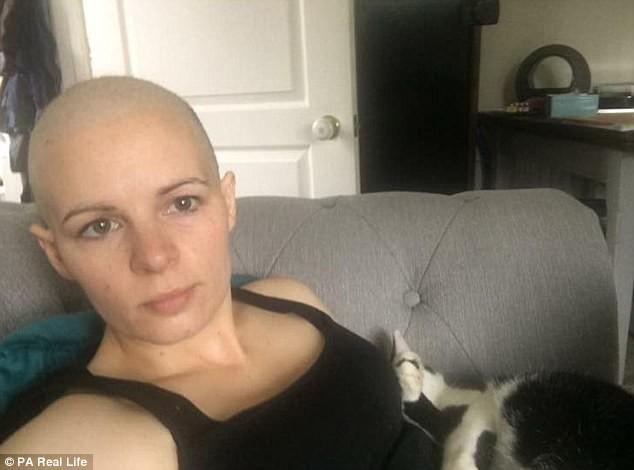 Cứ tưởng đơn giản chỉ là kinh nguyệt ra nhiều nhưng hóa ra lại là dấu hiệu bệnh ung thư cổ tử cung - Ảnh 4.