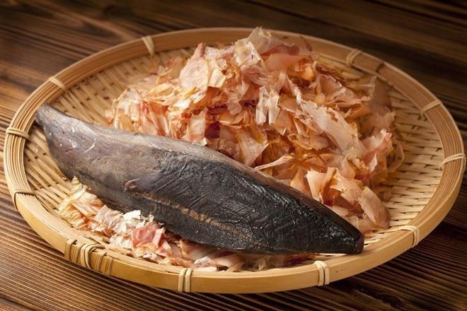 Cứng như đá, có thể mài sắc như dao nhưng đây là thứ mà ai ăn đồ Nhật cũng đã từng thưởng thức ngon lành - Ảnh 6.