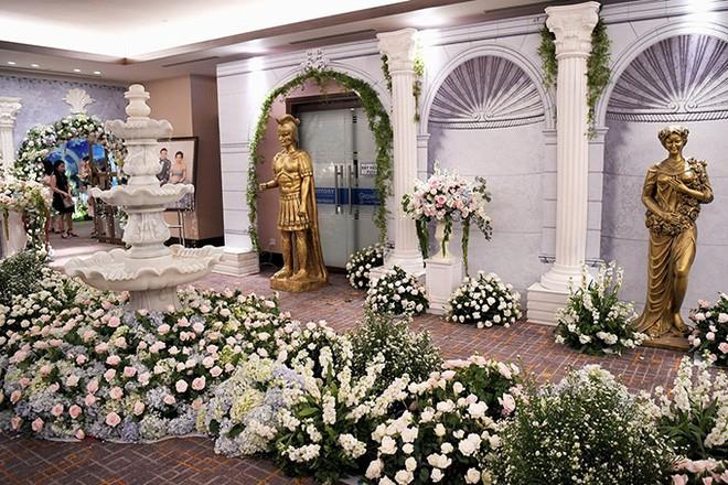 10 đám cưới Việt trong năm 2017 không phải của sao showbiz nhưng cực kỳ xa hoa khiến MXH nô nức chỉ dám nhìn không dám ước - Ảnh 31.