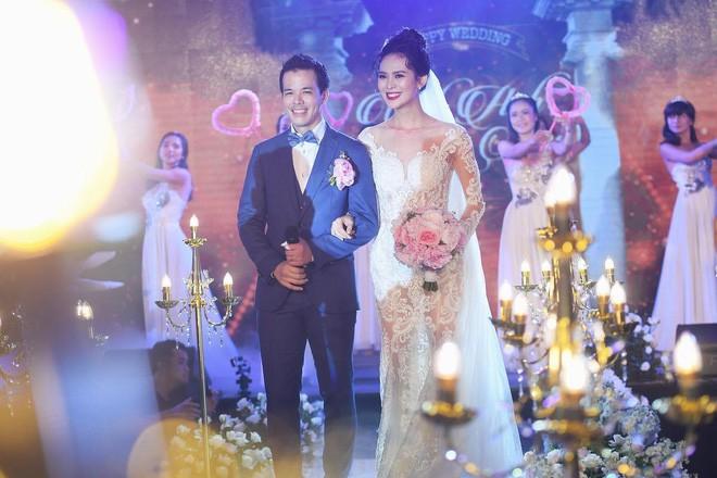 10 đám cưới Việt trong năm 2017 không phải của sao showbiz nhưng cực kỳ xa hoa khiến MXH nô nức chỉ dám nhìn không dám ước - Ảnh 33.