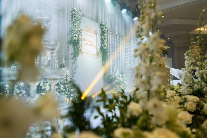 10 đám cưới Việt trong năm 2017 không phải của sao showbiz nhưng cực kỳ xa hoa khiến MXH nô nức chỉ dám nhìn không dám ước - Ảnh 40.
