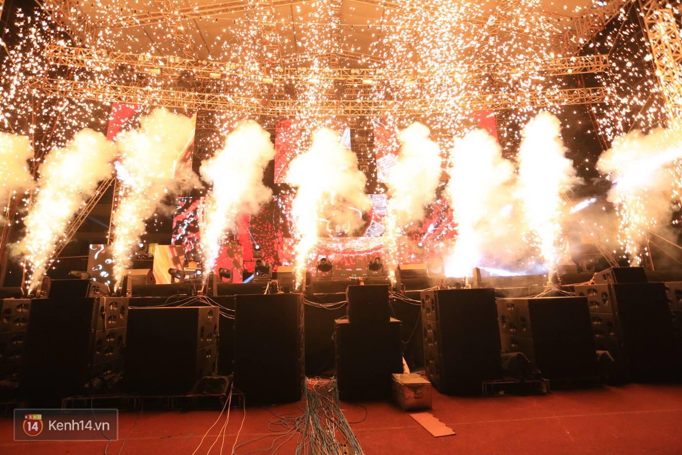 Hardwell quẩy set nhạc 2 tiếng đầy màu sắc dành tặng khán giả Việt - Ảnh 6.