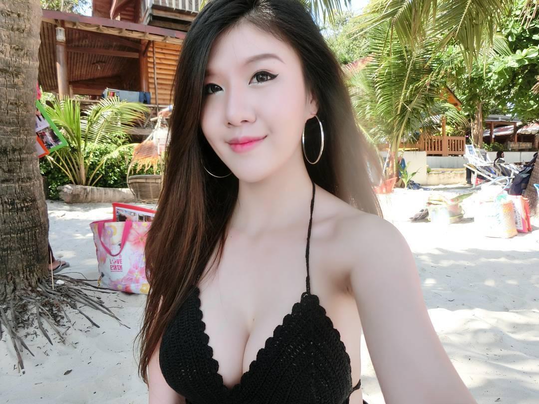 Chuyện tình đồng tính nữ của cặp đôi sexy khiến cư dân mạng Thái Lan xôn xao - Ảnh 5.