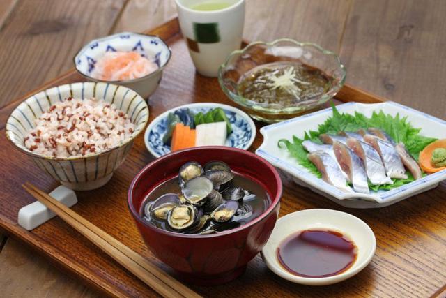 Bí quyết sống thọ, tránh xa bệnh tật của người Nhật Bản: 5 nguyên tắc ăn uống lành mạnh ai cũng có thể áp dụng - Ảnh 5.