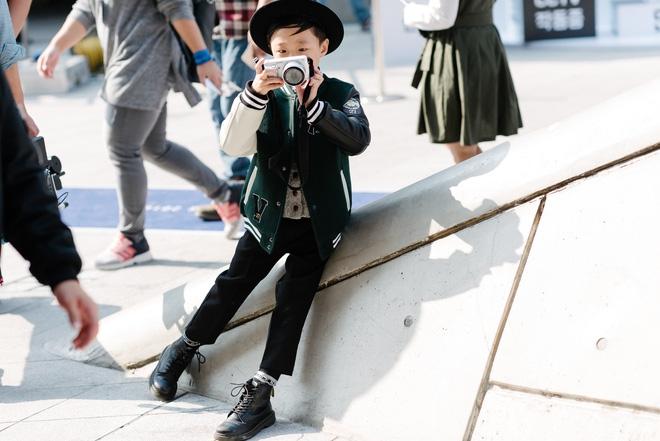Ai là nhân vật đứng phía sau những nhóc tỳ sành điệu tại Tuần lễ thời trang Seoul? - Ảnh 5.