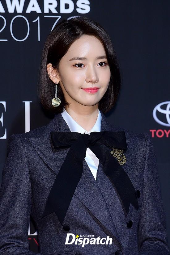 Thảm đỏ quy tụ dàn sao quyền lực: Yoona sang chảnh, nữ thần Kim Ji Won đẹp xuất sắc nhưng lại mặc gì thế này? - Ảnh 5.
