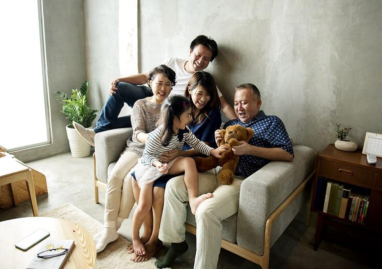 Thuê người làm chồng, người yêu hay đóng giả chính bản thân: Cuộc sống dối trá khuất sau sự cô đơn tại Nhật Bản - Ảnh 5.