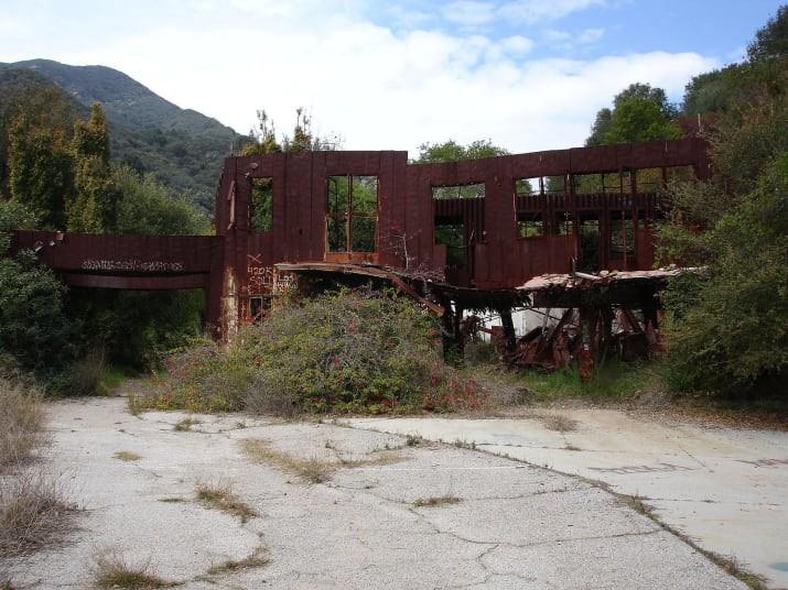 10 địa điểm bỏ hoang đáng sợ trên toàn thế giới, địa điểm đầu tiên ít người dám bén mảng tới - Ảnh 3.