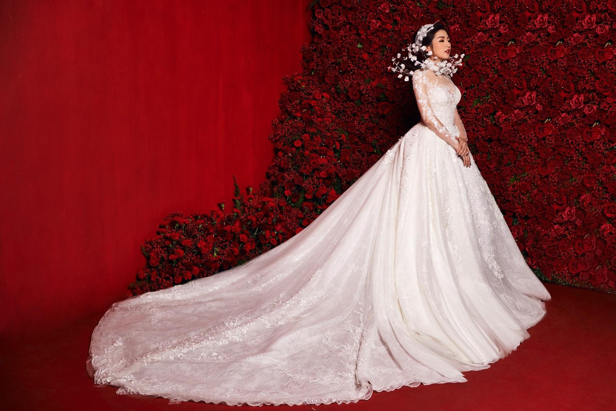 Á hậu Tú Anh hoá công chúa tuyết trong mẫu váy cưới gắn kim cương cực lộng lẫy của NTK Lek Chi - Ảnh 5.