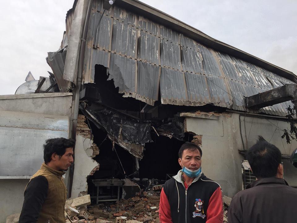 Hiện trường tan hoang sau đám cháy lớn ở Công ty bánh kẹo - Ảnh 5.