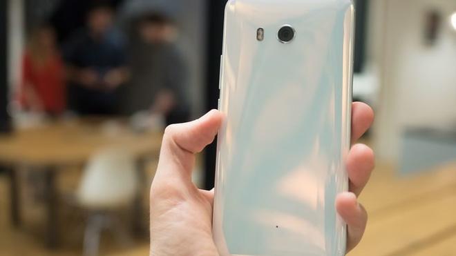 HTC U11 chính thức ra mắt, cho phép người dùng thao tác bằng cách bóp chặt - Ảnh 6.