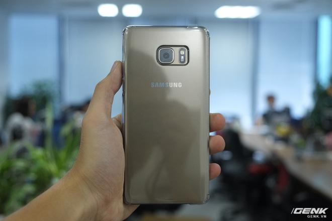 Mở hộp Galaxy Note Fan Edition (Note 7 FE) tại VN: Vẫn rất tốt, nhưng kém hấp dẫn với giá 16 triệu - Ảnh 6.