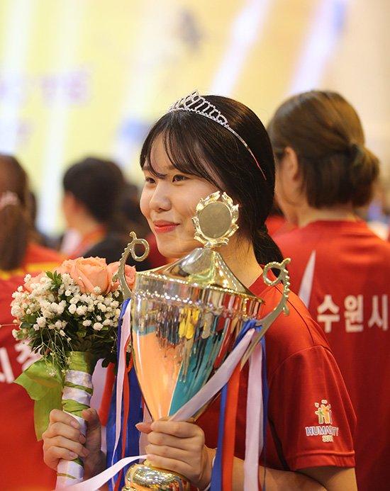 Ngắm vẻ đẹp chân dài xứ Hàn đoạt giải Hoa khôi VTV Cup - Ảnh 6.
