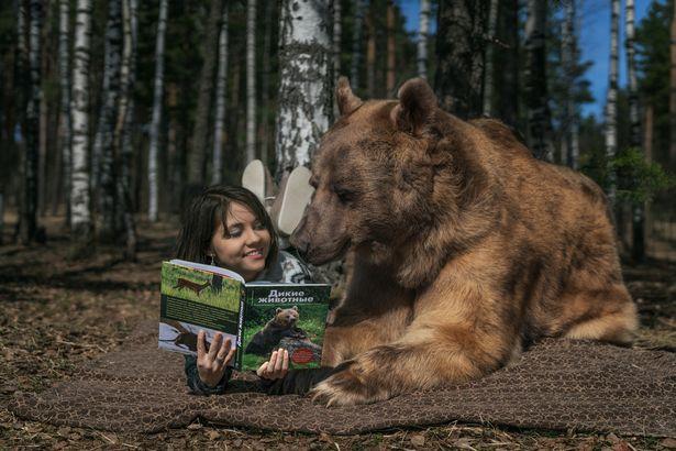 Nuôi thú cưng thế này mới đẳng cấp: Cặp đôi sống chung cùng chú gấu nặng 360kg suốt 24 năm - Ảnh 6.