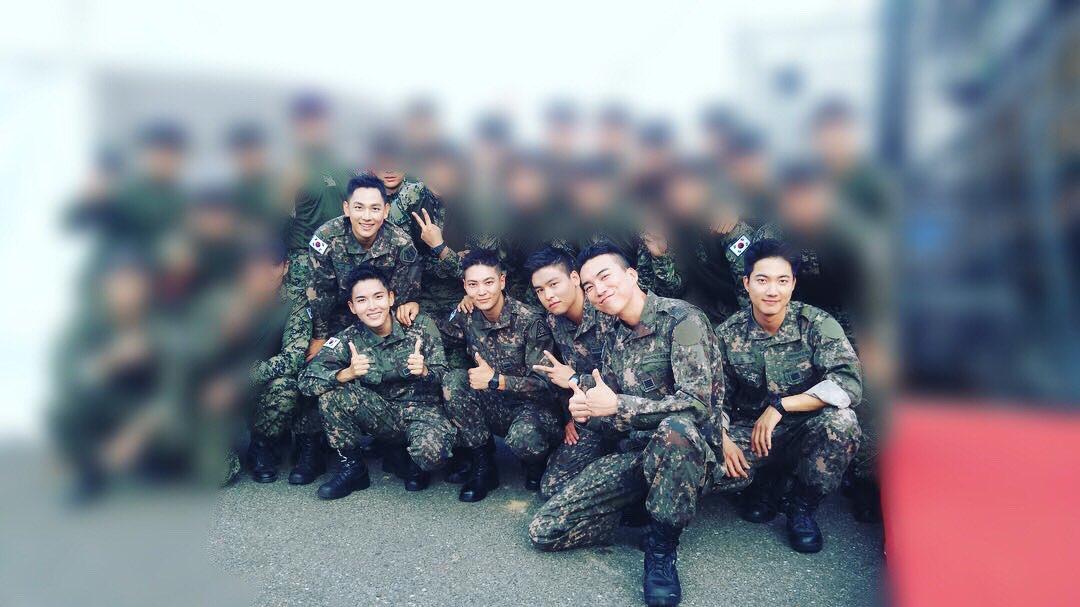 Biệt đội mỹ nam hàng đầu xứ Hàn trong quân ngũ thành hiện tượng vì đẹp hơn cả Hậu duệ mặt trời - Ảnh 6.