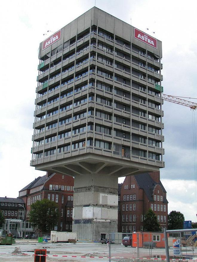 Lạ mắt với những tòa nhà có thiết kế kỳ lạ nhất trên thế giới - Ảnh 6.