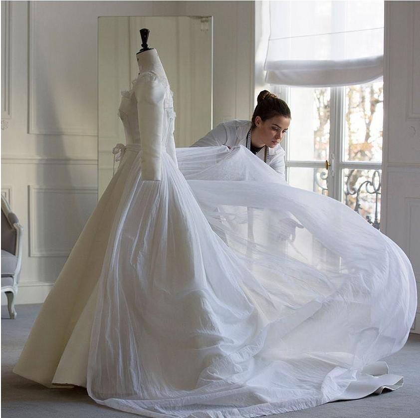 Tiết lộ câu chuyện đi thử váy cưới của Song Song: Cùng nhau lặn lội sang tận nước Pháp xa xôi mới chịu! - Ảnh 6.
