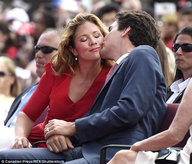 Lời tỏ tình lịm tim và 12 năm hôn nhân trên cả mật ngọt của Thủ tướng Canada đẹp trai như tài tử - Ảnh 5.