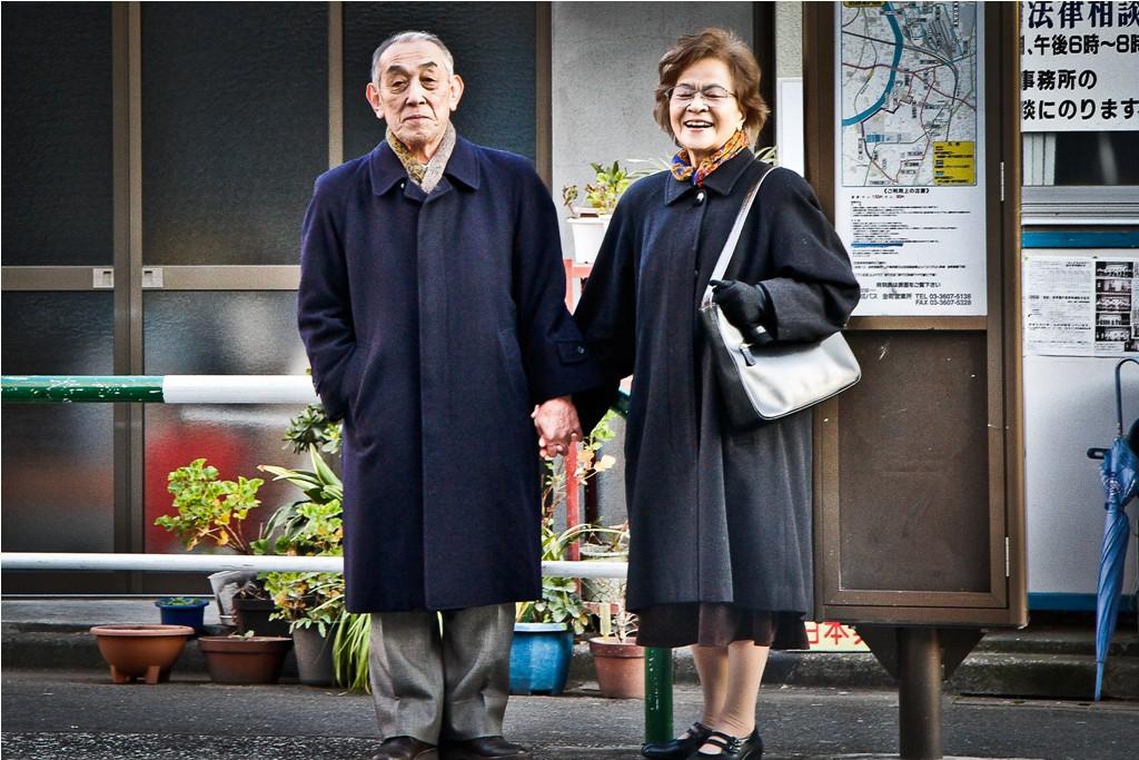 Thuê người làm chồng, người yêu hay đóng giả chính bản thân: Cuộc sống dối trá khuất sau sự cô đơn tại Nhật Bản - Ảnh 6.