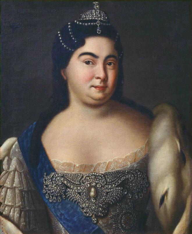 Nữ hoàng đầu tiên của nước Nga: Từ cô hầu gái không biết chữ đến người cùng vua chia sẻ ngai vàng - Ảnh 6.