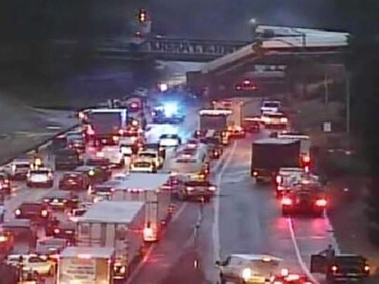 Mỹ: Tàu cao tốc trật đường ray, hàng chục người thương vong - Ảnh 6.