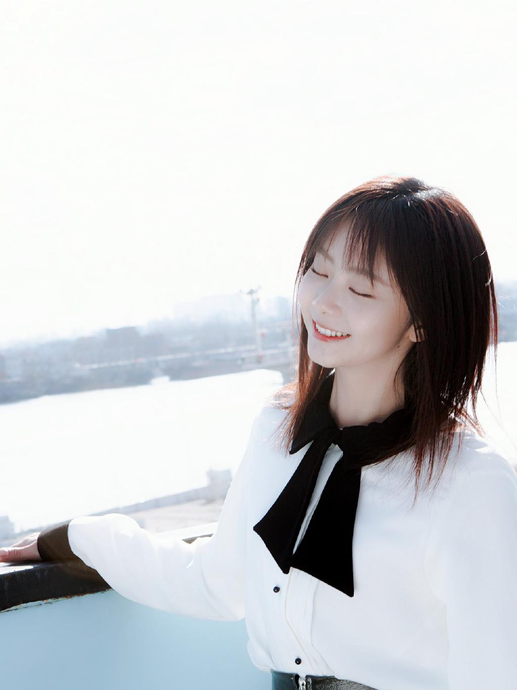 Đàm Tùng Vận cầu hôn Khương Triều trong phim Mùa hè của hồ ly