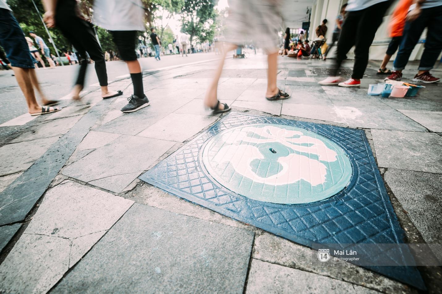 Nhỏ mà có võ, những nắp cống được tô vẽ màu mè đáng yêu khiến ai dạo qua phố đi bộ Hà Nội cũng mỉm cười! - Ảnh 5.