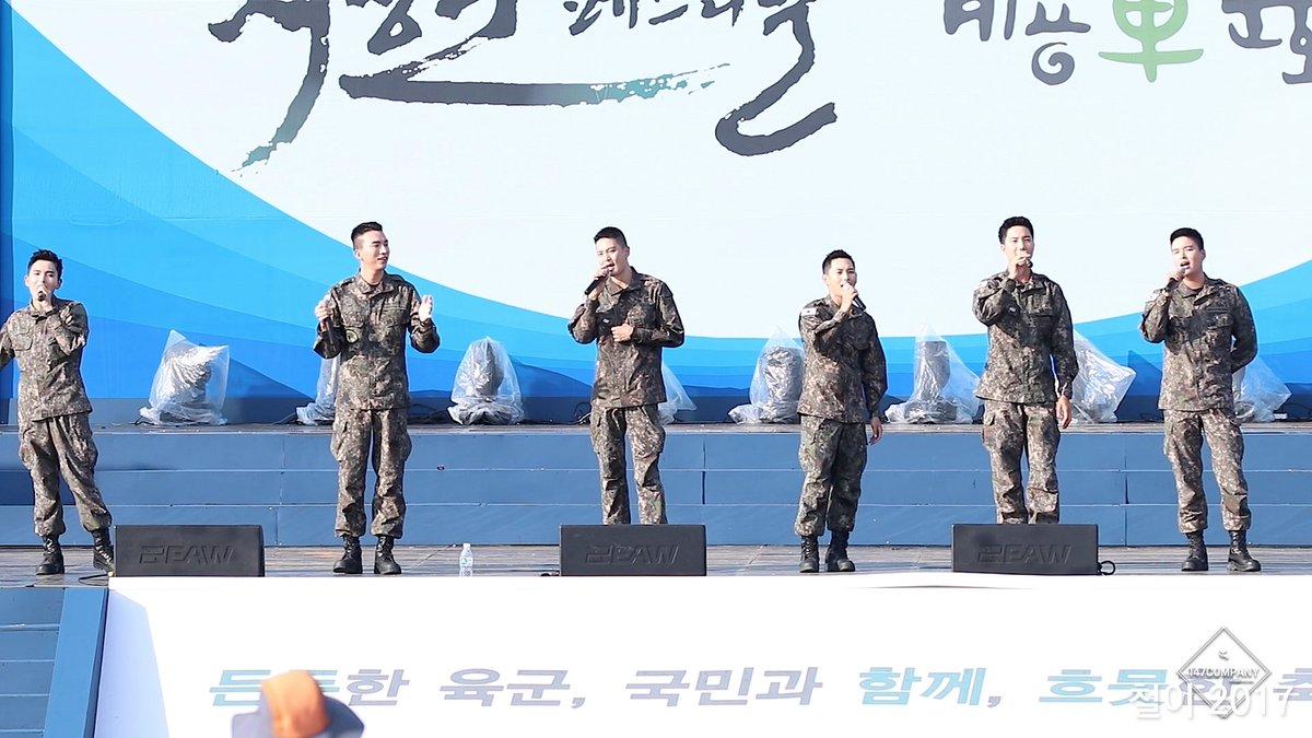 Biệt đội mỹ nam hàng đầu xứ Hàn trong quân ngũ thành hiện tượng vì đẹp hơn cả Hậu duệ mặt trời - Ảnh 7.