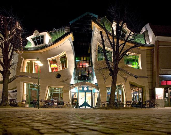 Lạ mắt với những tòa nhà có thiết kế kỳ lạ nhất trên thế giới - Ảnh 7.