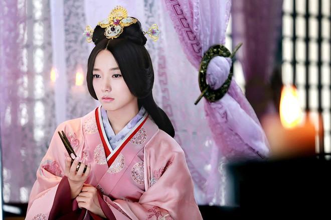 Hoàng hậu Vệ Tử Phu: Xuất thân là ca kỹ, lên ngôi Hậu vì bị hãm hại, khi chết được an táng qua loa nơi vệ đường - Ảnh 7.