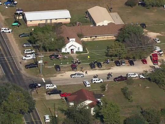 Xả súng kinh hoàng tại nhà thờ Mỹ, ít nhất 26 người thiệt mạng - Ảnh 5.