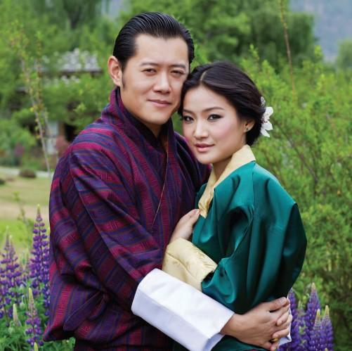 Image result for quoc vuong bhutan va vợ