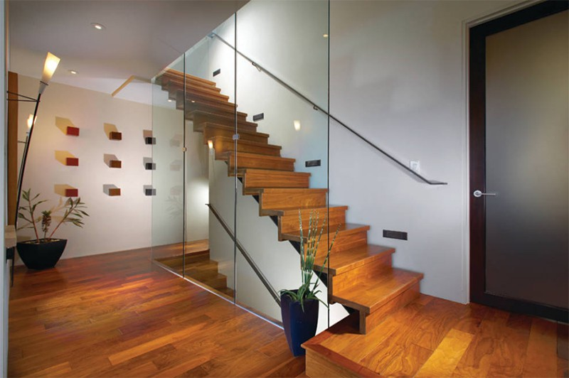17 thiết kế cầu thang đẹp mắt được kết hợp từ gỗ và kính - Ảnh 13.