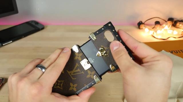 Đánh giá ốp iPhone hàng hiệu Louis Vuitton mà Hoa hậu Kỳ Duyên đang sử dụng, giá hơn 20 triệu đồng - Ảnh 17.
