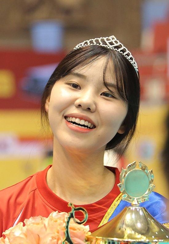 Ngắm vẻ đẹp chân dài xứ Hàn đoạt giải Hoa khôi VTV Cup - Ảnh 8.