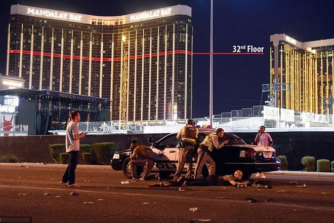 Ảnh: Góc bắn hiểm hóc của sát thủ vụ xả súng đẫm máu nhất nước Mỹ - Ảnh 8.