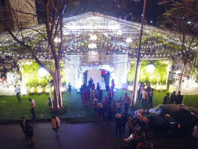 10 đám cưới Việt trong năm 2017 không phải của sao showbiz nhưng cực kỳ xa hoa khiến MXH nô nức chỉ dám nhìn không dám ước - Ảnh 8.