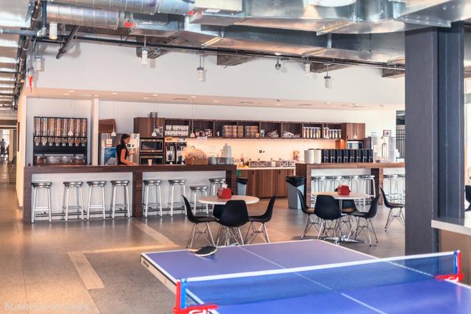 Quán cà phê, máy hát karaoke, phòng trò chơi: Đây chính xác là công ty nhà người ta bao người mơ ước - Ảnh 9.