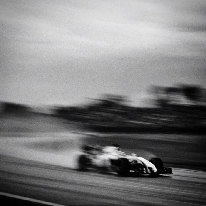 Nhiếp ảnh gia chớp khoảnh khắc của những chiếc xe đua Công thức 1 với chiếc máy ảnh 104 tuổi, và đây là kết quả - Ảnh 16.