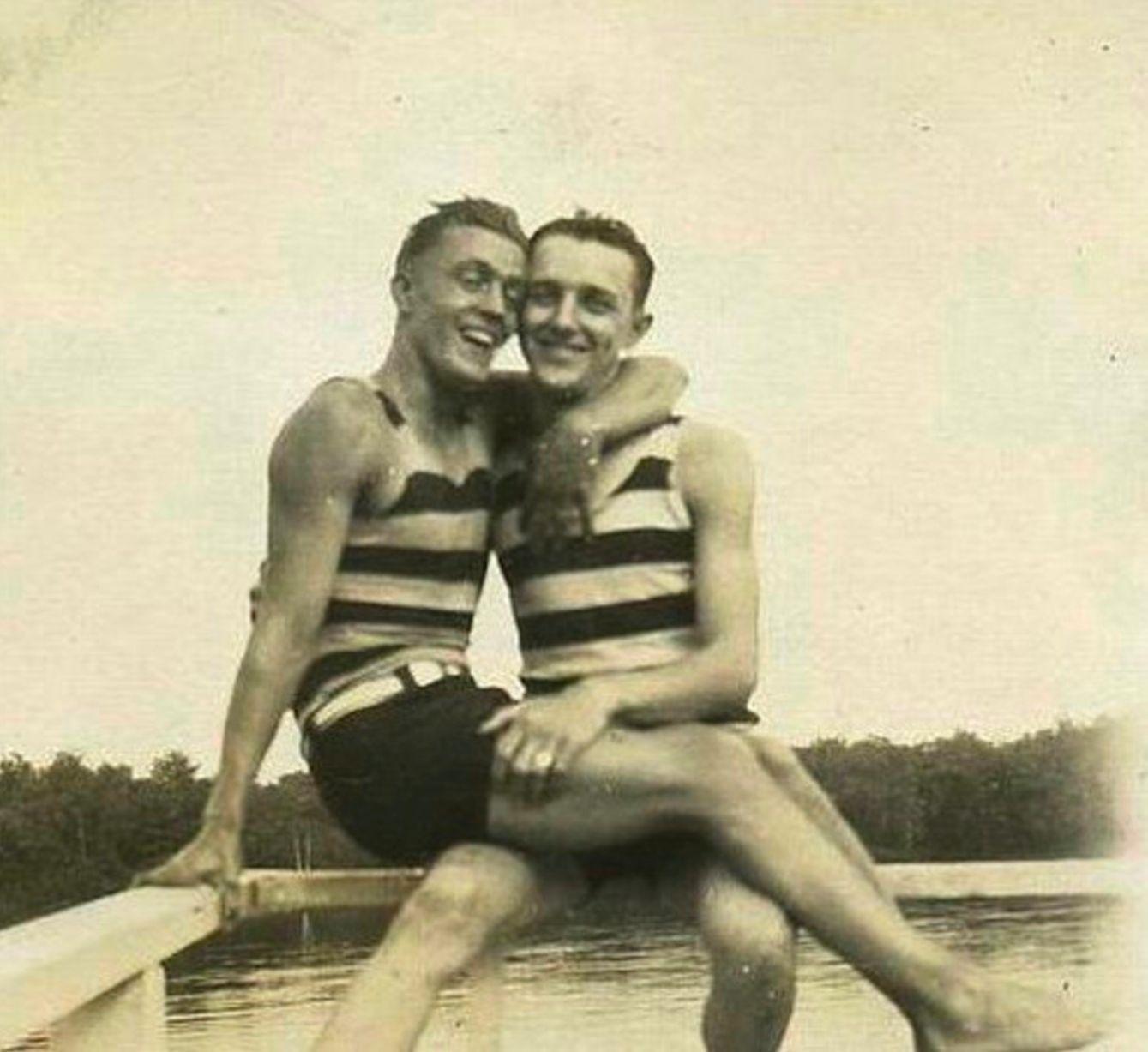 Những hình ảnh thân mật của các chàng trai cách đây 100 năm: Đồng tính không phải trào lưu - Ảnh 4.
