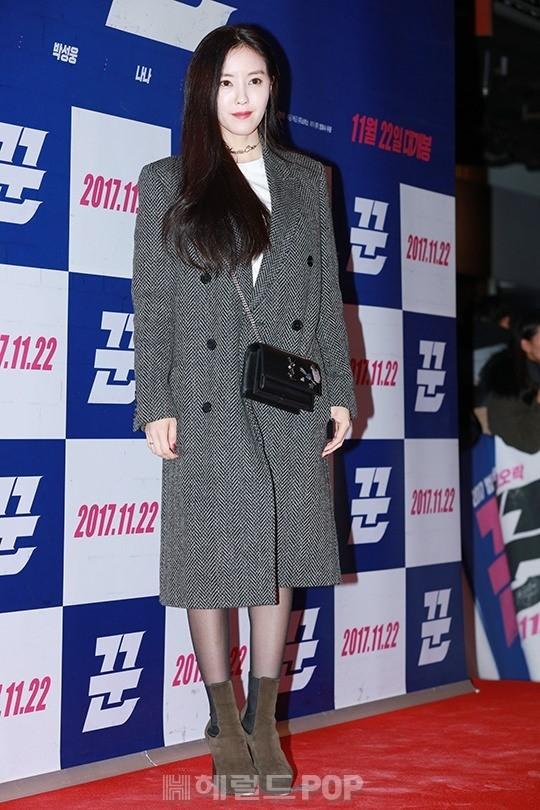 Sự kiện gây sốt: Cặp đôi Reply 1988 bất ngờ đụng độ, Yoona cùng dàn tài tử, idol siêu hot đến ủng hộ Hyun Bin - Ảnh 9.