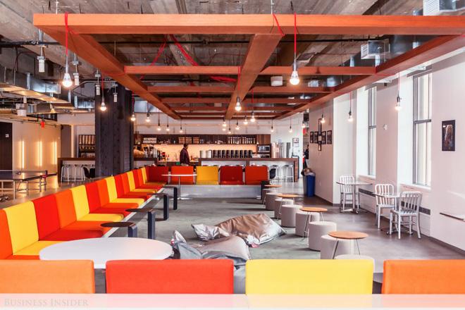 Quán cà phê, máy hát karaoke, phòng trò chơi: Đây chính xác là công ty nhà người ta bao người mơ ước - Ảnh 10.